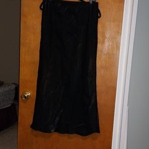 Venezia Shiny Black Skirt 18/20